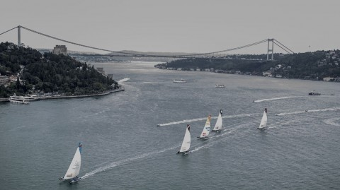 Team Turx win exhibition race on the Bosphorus but McMillan leads going into the final day