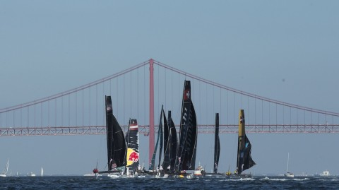 VIDEO: Lisbon delivers full-throttle racing