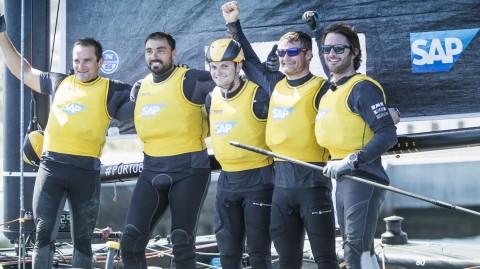 SAP Extreme Sailing Team gewinnt vor Madeira