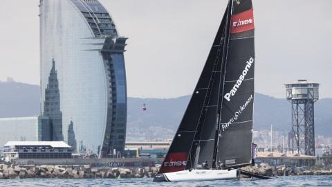 Alinghi in testa nel giorno di apertura del Quarto Act delle Extreme Sailing Series™ a Barcellona