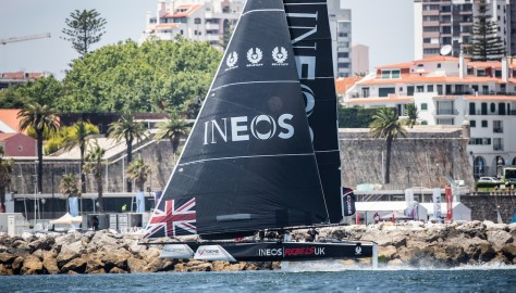 Brits bring their A game to mid-season fight in Extreme Sailing Series™ Act 4, Cascais